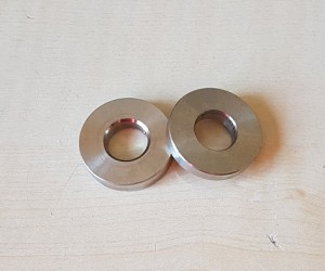 Stabiliser bar (anti roll-bar) spacers (pair)