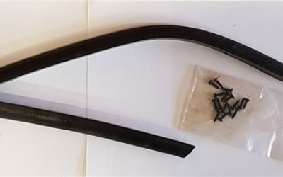 Windscreen to door frame seals (pair)