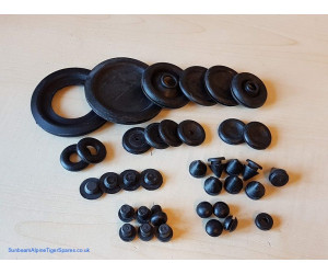 Grommet and plug set